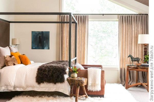 Дачная спальня с балдахином