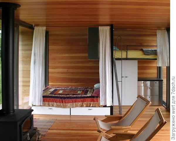 Спальня с кроватью-чердаком