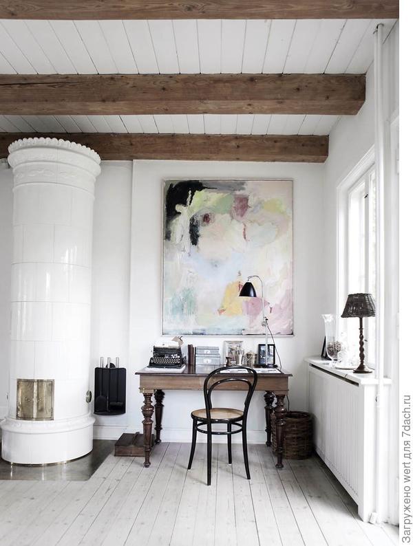 Кабинет с печкой в гостиной в скандинавском стиле