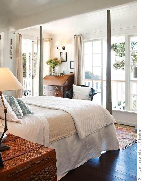 Красивая спальня в английском колониальном стиле