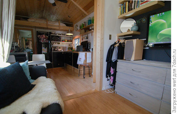 Зона гостиной. Фото с сайта tinyhousetalk.com