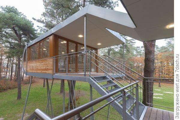 Футуристичный домик на дереве