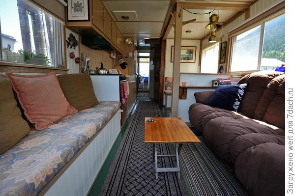 Дом на лодке