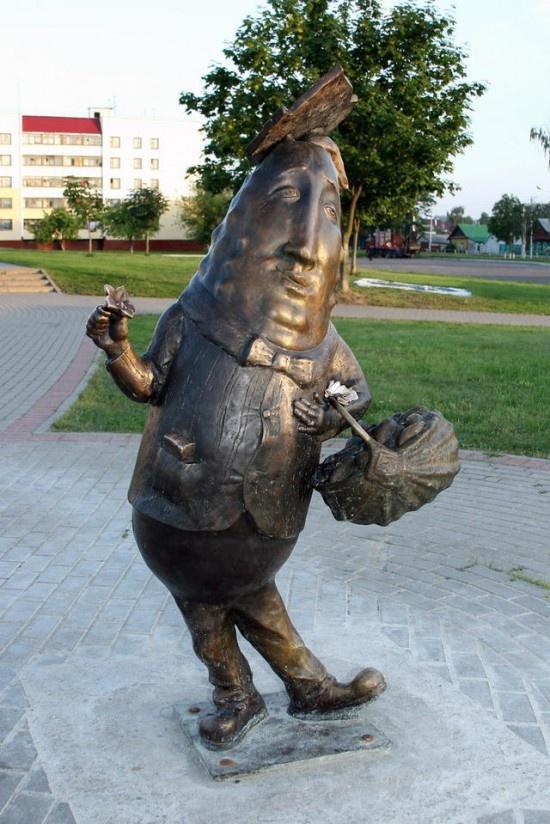Памятник Огурцу в Шклове, фото с сайта byfacts.ru