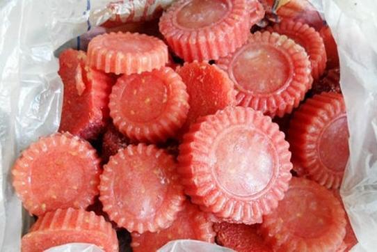 Замороженная томатная масса, фото с сайта liveinternet.ru, автор не указан
