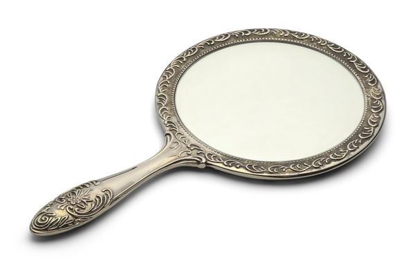 Символы дня: зеркало, лед, обезьяна