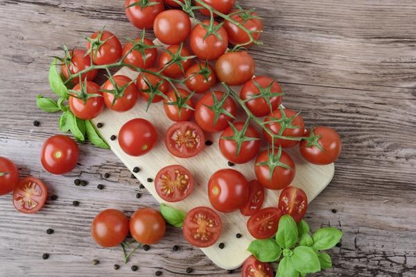 Посоветуйте хороший сорт томатов черри!