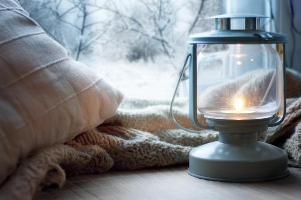 Оригинальные светильники под старину добавят романтического настроения зимним вечером