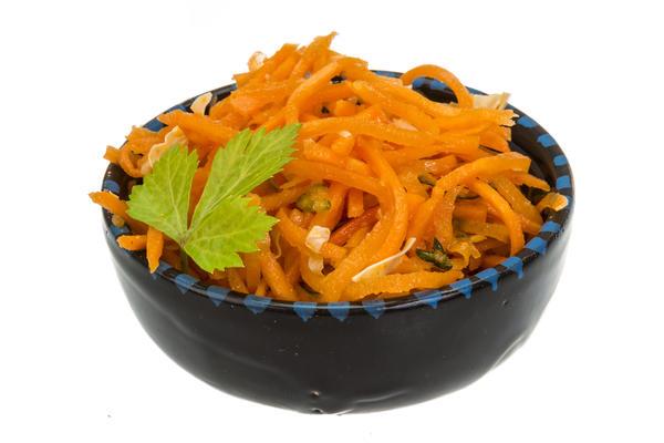 Корейская морковь, вопреки распространённому мнению, - вовсе не корейское блюдо