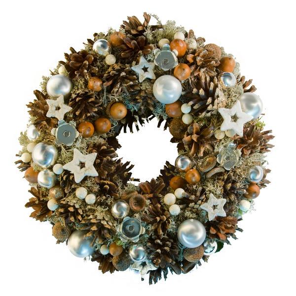 Рождественский венок можно сделать практически из чего угодно