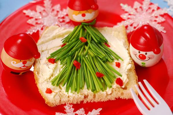 Настоящим украшениям стола могут стать даже обыкновенные бутерброды