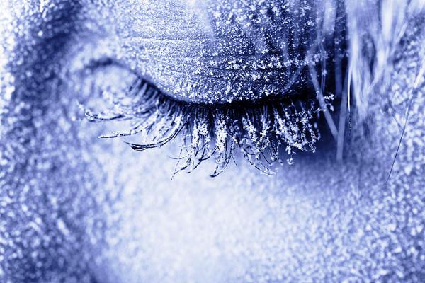Еще одна опасность, подстерегающая нас зимой - переохлаждение организма