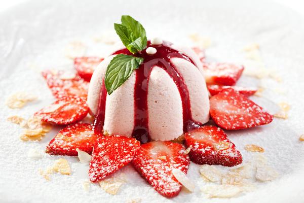 Клубничный торт-мороженое