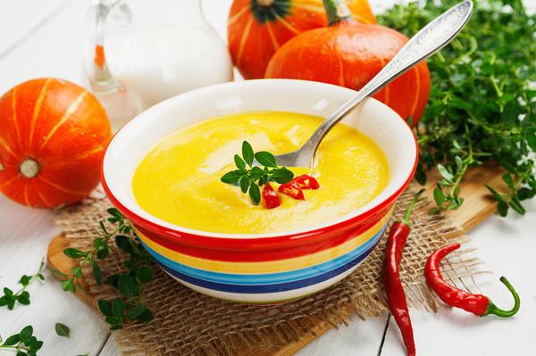 Овощные супы - область кулинарии, где возможности хозяек безграничны