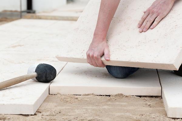 Реставрируем дорожку с просевшей плиткой