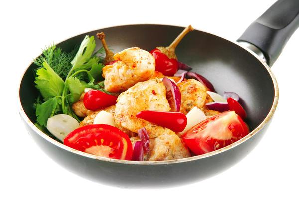 В тефлоновой посуде блюда выглядят красивее, румянее и аппетитнее