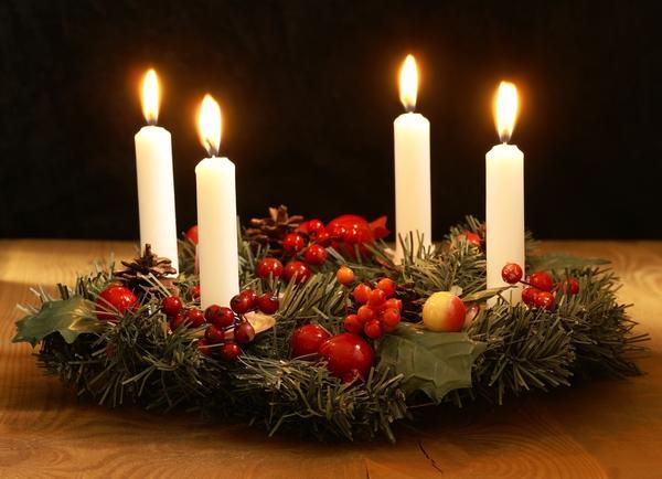 Хвойный венок как символ Рождества родился совсем недавно - в 19 веке
