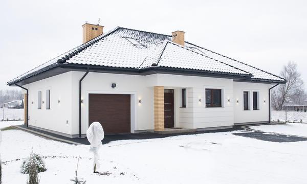 Одноэтажный дом легче строить, он комфортнее для старшего поколения и безопаснее для младшего