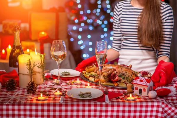 В день Рождества принято собираться всем вместе за праздничным столом