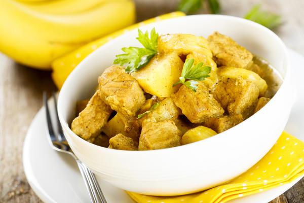 Говядина под банановым соусом