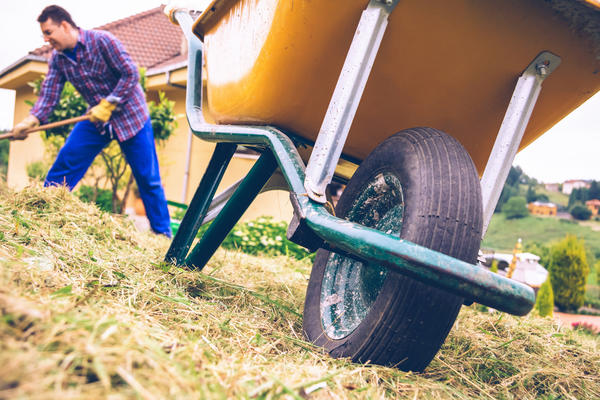 Чем больше перевозимый груз, тем больше колес должно быть у тачки