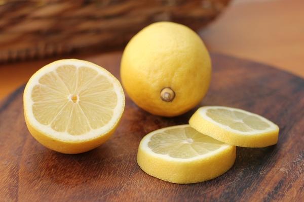 Лимон - полироль для мебели