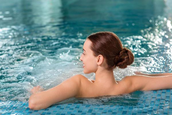 Спа-процедуры в бассейне