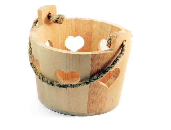 Качественные деревянные ведра выполнены из натурального материала