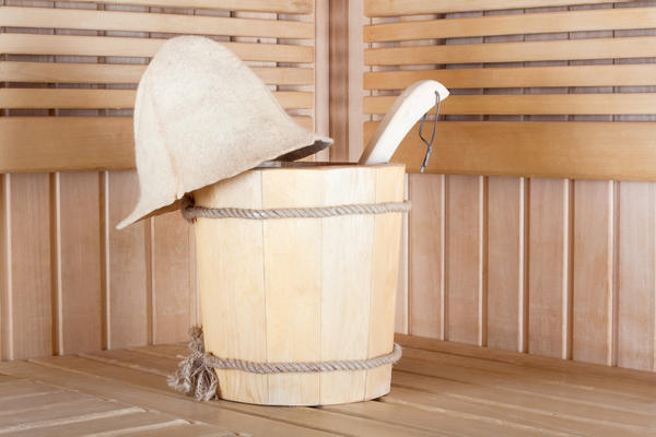 Особое место деревянным ведрам отводят любители бани и сауны