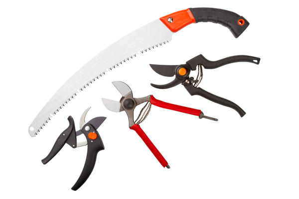 Инструменты должны быть легкими, но прочными