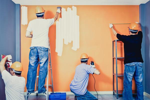 Для многих видов строительных работ приходится звать специалистов