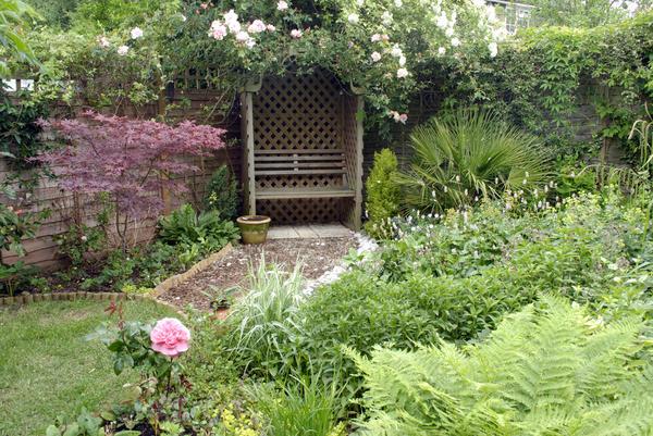Небольшой сад в стиле натургарден