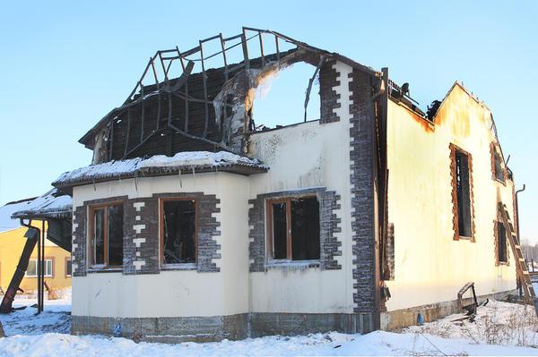 Коттедж после пожара