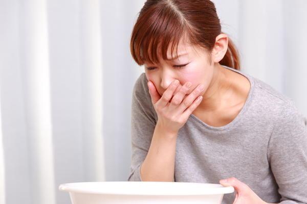Тошнота и рвота могут оказаться начальными симптомами серьезного недуга