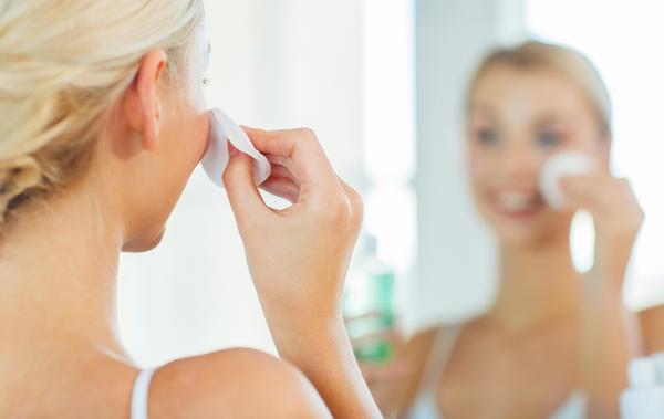 Тоник для лица, приготовленный на основе базилика, поможет освежить кожу