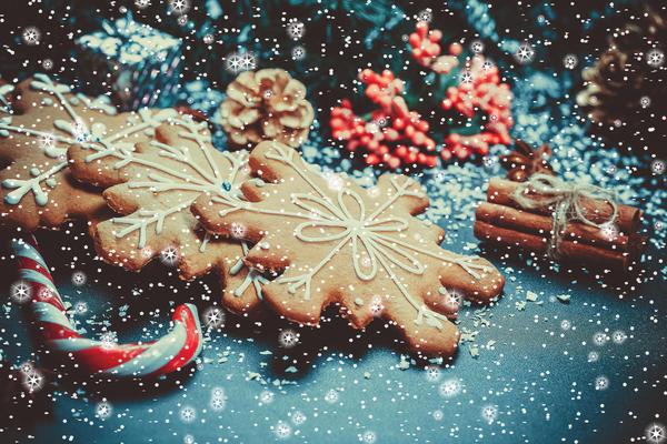 Вкусные снежинки - и украшение, и подарок