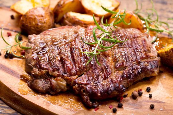 Мясо, маринованное в горчице, получится очень вкусным