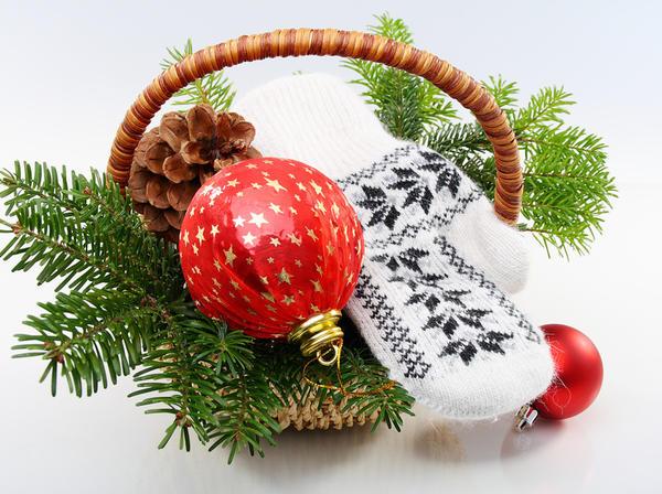 Удачно подобранные аксессуары помогут создать законченную новогоднюю композицию