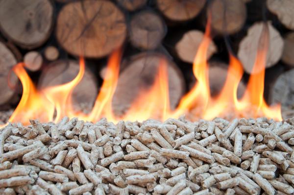 Пеллеты и топливные брикеты — более эффективное топливо для дровяного котла