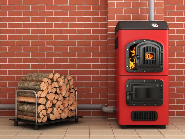 Твёрдотопливный котёл, рассчитанный на дрова и топливные брикеты