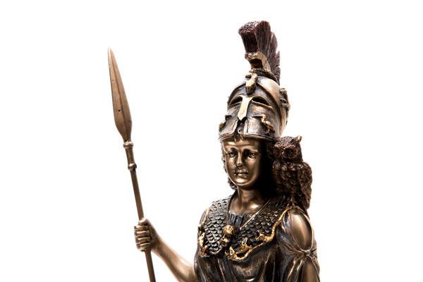 У древних греков сова - спутница богини Афины