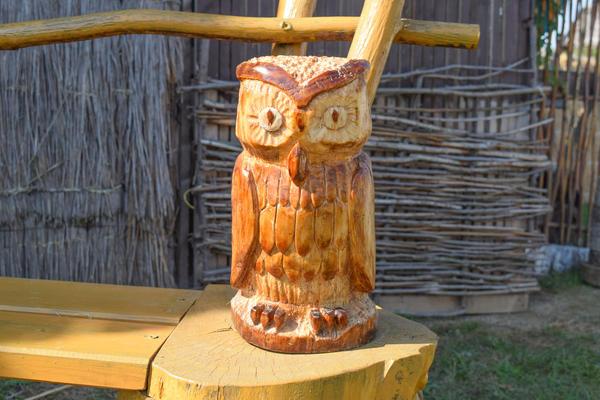 Фигурка совы из дерева