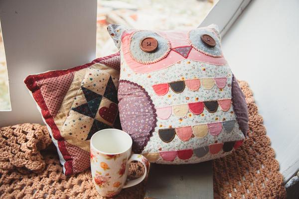 Сова-подушка из лоскутков
