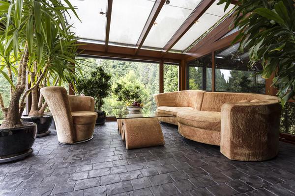 Зимний сад можно оформить в различных стилях