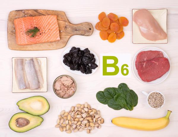 Витамином В6 богаты бананы, фисташки, шпинат, курага, некоторые виды мяса и курятина