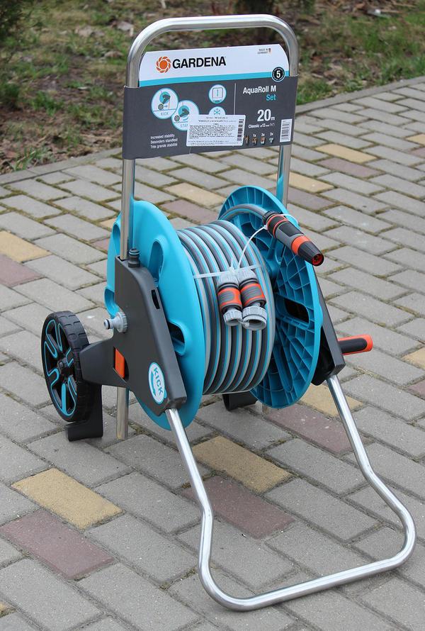 Тележка для шланга AquaRoll M со шлангом Classic и комплектом для полива