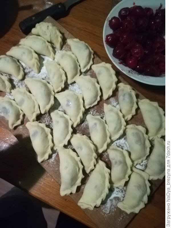 Обещанный рецепт вареников с вишней - пошаговый рецепт приготовления с фото