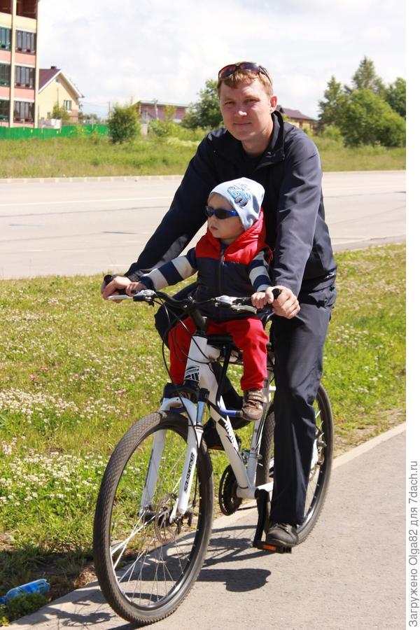 С папой на велосипеде