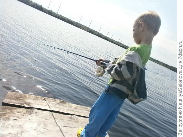 Тёмка и его первая рыбалка