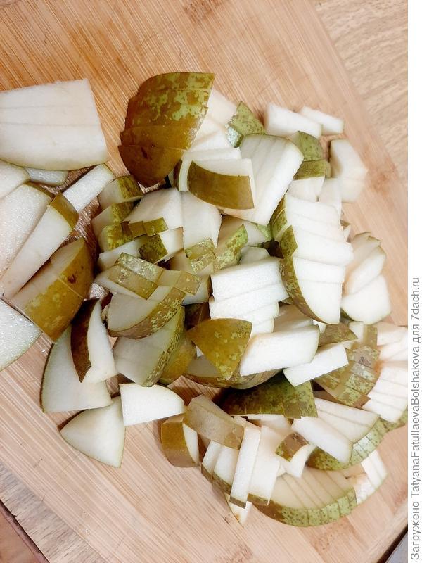 Шарлотка с грушами. Пошаговый рецепт приготовления с фото